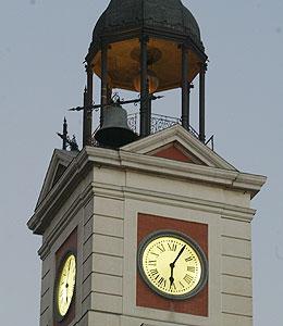 20101231111230-reloj-puerta-del-sol.jpg