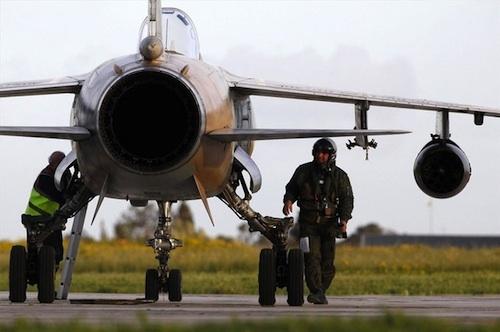 20110319160501-libia-aviones-gadafi.jpg