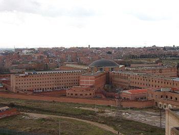 Vista de la Cárcel de Carabanchel desde un edificio de la calle Ocaña.
